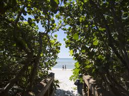 who owns florida u0027s beaches landowner rights clash with public access