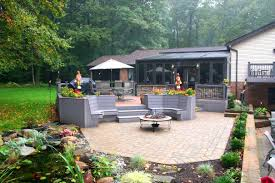 lovely simple outdoor backyard corner wooden deck bench seating