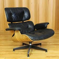 model 670 lounge chair by charles u0026 ray eames for herman miller