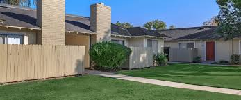 Cheap 2 Bedroom Apartments In Fresno Ca Parkwood Apartments In Fresno Ca