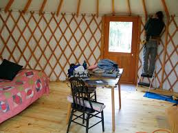 Living In A Yurt by Yurt Work Continues U2026 U2013 Sandyfoot Farm