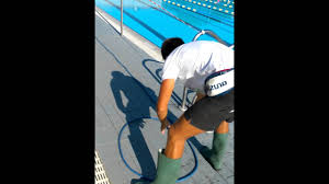 Robot Piscine Dolphin Supreme M4 by Piscina Come Ritirate Il Robot Dolphin Pulisci Piscina Youtube