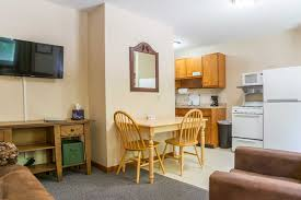 kitchenettes rooms with kitchen little bluff inn little bluff inn
