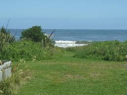 vacation home beach house revell st hokitika new zealand