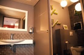 idee deco wc zen deco pour wc toilettes décoration murale en bois logo wc