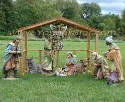 Lighted Outdoor Christmas Nativity Scene by Nativity Manger Made From Pallets I U0027m So Using This Idea