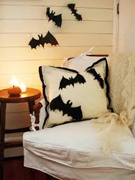 Bat Template Halloween by How To Make A Halloween Applique Pillow Hgtv