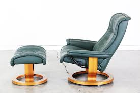 ekornes stressless green leather reclining chair with ottoman
