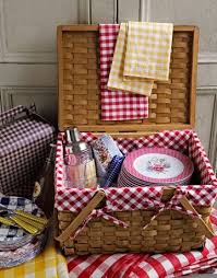 vintage picnic basket best 25 vintage picnic basket ideas on vintage picnic