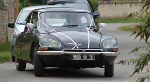 citroen classic ds getting the bride to the church on time holiday gites in poitou