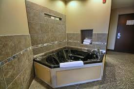 Comfort Inn Maumee Perrysburg Area Hotel Comfort Suites Perrysburg Oh Booking Com
