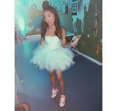 frozen themed party entertainment chris brown s babymama throws frozen themed birthday party for