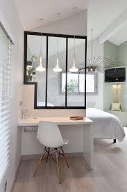 bureau interiors petit bureau intime derrière des vitres d atelier décoration