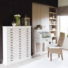 bureau newport maison du monde garde manger en pin blanc l 95 cm porte manteaux penderie et manteau