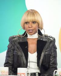 mary j blige hairstyle with sam smith wig mary j blige reveals she s experienced dark periods like whitney