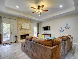 Austin Floor And Decor 4br 2 5ba Roomy Family Friendly Austin Ho Vrbo