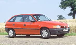 opel omega 1990 vauxhall astra hatchback review 1991 1998 parkers
