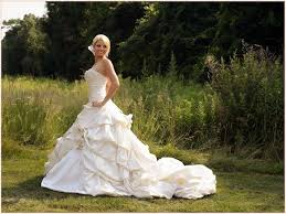 pre owned wedding dresses 22 best pnina tornai real weddings images on
