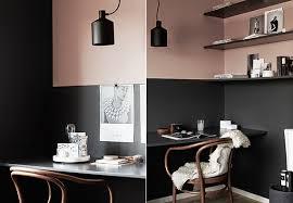 wã nde streichen ideen wohnzimmer schwarze wände und altrosa wandfarbe als coole wand streichen
