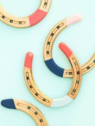 diy painted horseshoes sarah hearts