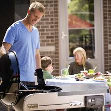 weber performer deluxe 22 inch freestanding charcoal grill with