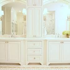double sink vanity with middle tower 104 best kids bathroom images on pinterest bathrooms bathroom