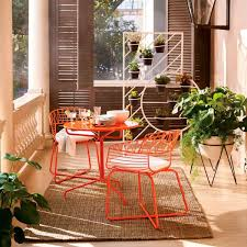 tangerine is the decor color of summer according to pinterest