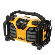 The Home Technology Store Dewalt 12 Volt 20 Volt Max Charger And Radio Dcr015 The Home Depot