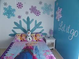 Disney Frozen Bedroom by 25 Best Disney Frozen Bedroom Ideas Images On Pinterest Disney