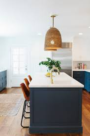 21 gorgeous pendant lights over an island bench a house full of pendant lights