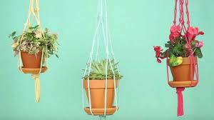 how to make easy diy hanging planters for your indoor garden