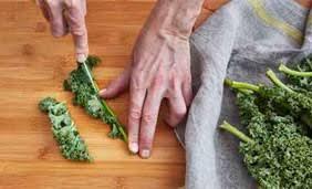 comment cuisiner le kale préparer le chou kale les fruits et légumes frais