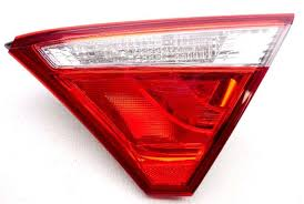 2015 toyota camry tail light oem 2015 toyota camry right lid mounted tail l lens chip id