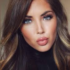 there is such a thing as evening natural makeup you should be extra careful with the quany and the color binations replace pink blush with peach