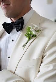 Groom S Boutonniere Greenery Green White Boutonniere Elegant Grooms Bridebug Bridebug