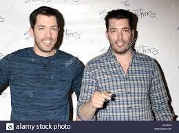 the property brothers u0027 drew scott and jonathan scott sign copies