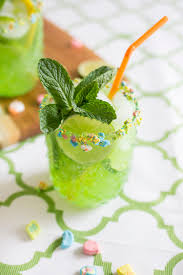green cocktail 14 green drink recipes for st patrick u0027s day green cocktail ideas