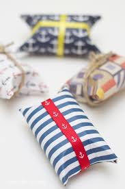 Easy Favors To Make by Easy Nautical Diy Favors Mod Podge Rocks