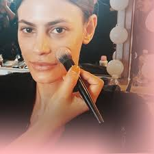 professional makeup how to apply foundation like a professional makeup artist