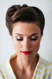 Rockabilly Kurzhaarfrisuren M舅ner by Dame Mit Elegantem Up Und Rockabilly Frisur 50ies 60ies