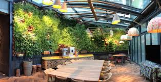 Restaurant Patio Planters by This Restaurant In London Has A Gorgeous Living Wall That Purifies
