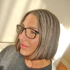 transitioning to gray hair with lowlights the gray area chopped