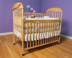 Old Baby Cribs by Can My 6 Month Old Use Crib Bumpers Livestrong Com