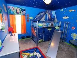 buzz lightyear bedroom disney bunk beds latitudebrowser