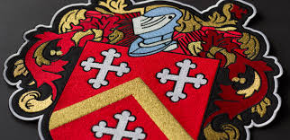 Family Crest Flags Custom Embroidered Patches Best Quality Merrow Border