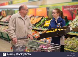 Job Resume Grocery Store by A Sales Assistant In An Aldi Uk Supermarket Store On Newport Road