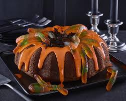Dirt Cake Halloween by How To Make A Creepy Crawly Halloween Cake Toronto Star
