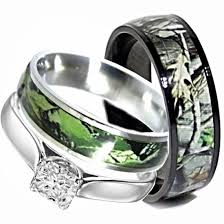 camo wedding bands his and hers his titanium camo hers stainless steel wedding rings set