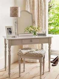 Makeup Tables For Bedrooms Best 25 Small Dressing Table Ideas On Pinterest Small Vanity