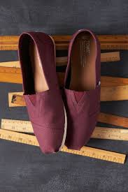 toms black friday best 25 tom shoes ideas on pinterest toms shoes toms